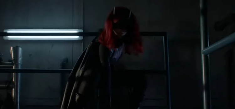 """Batwoman Tonight: """"Grinning From Ear To Ear"""" – Trailer & Clip"""