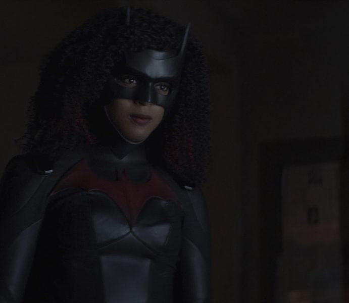 "Batwoman Photos: ""Initiate Self-Destruct"""